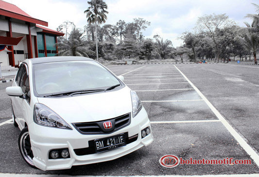 Modifikasi Honda Jazz GE8 2